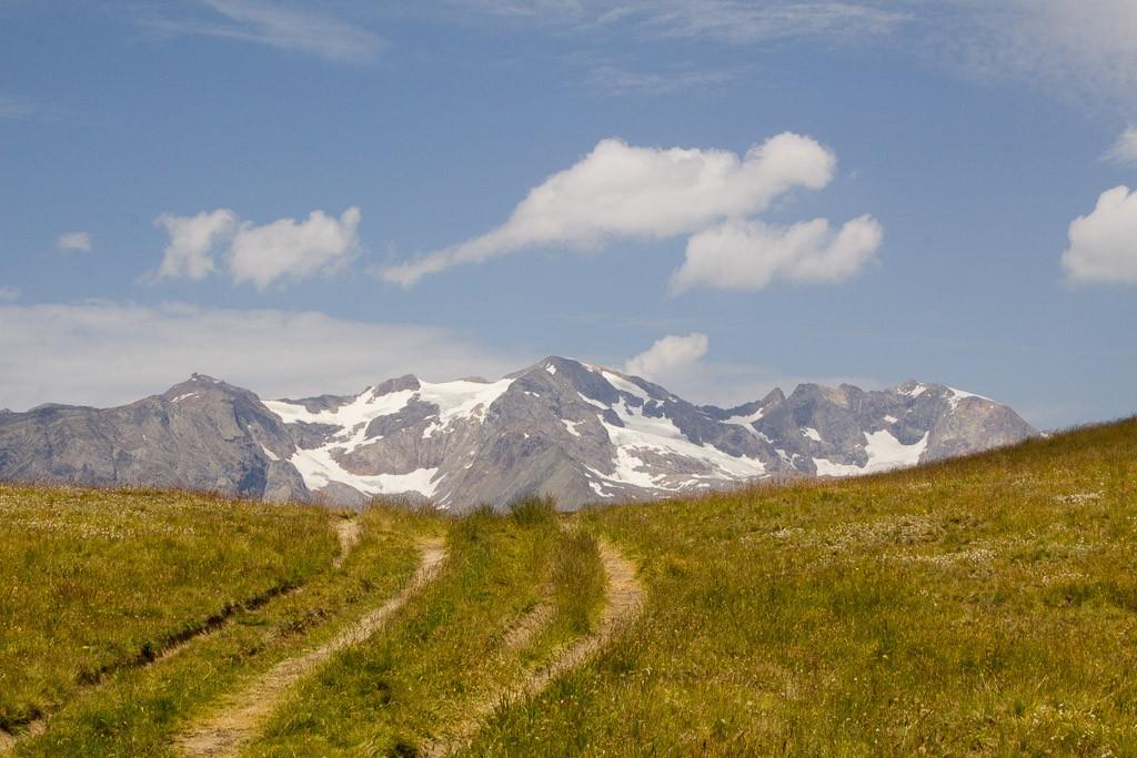 l'alpe d'huez depuis le plateau d'emparis