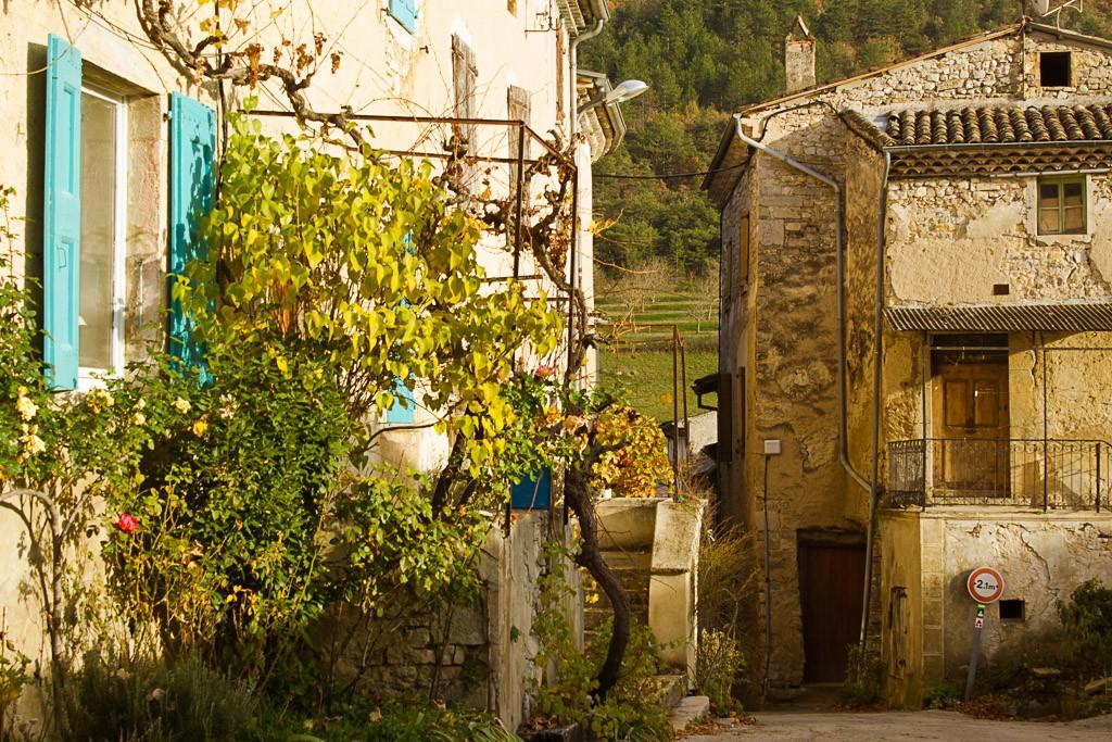 ruelle du village de sainte croix